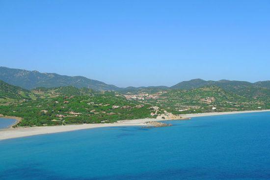 Giunco, sulla destra spiaggia Simius